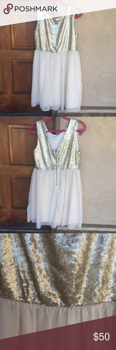 """🆕 ✨Gold Sequins & Champagne Dress✨ Brand new glitzy gold sequins & pale champagne empire dress by Mason Jules. Deep v-neck back with zipper closure. Fully lined. True XL Measurements: Bust 38/39"""", Waist: 32"""" + smocked stretch waistband, Hips: 45"""" & Length: 37"""". No flaws. Perfect for NYE or any special occasion! 👍🏻15% off 3+ item bundles! Mason Jules Dresses Midi"""