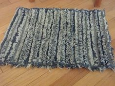 Denim Rug Made from my sons old jeans. This is a reworking of the rug in Denim Rug Diy Jeans, Recycle Jeans, Sewing Tips, Sewing Hacks, Denim Rug, Fiber Art, Shag Rug, Real Life, Sons