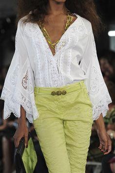 Oscar de la Renta at New York Fashion Week Spring 2012...