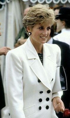 Princess Diana Photos, Princess Diana Fashion, Princess Diana Family, Royal Princess, Princess Of Wales, Princess Diana Hairstyles, Princess Style, Lady Diana Spencer, Elisabeth Ii