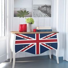 Union Jack Style Furniture And Decoration Ideas: Hide Away The Mess With A Union Jack Themed Dresser