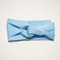 Baby Blue Turband Trendarty.com follow us on: https://www.facebook.com/trendarty/?ref=hl https://twitter.com/trendarty5 https://es.pinterest.com/trendarty/ and https://vimeo.com/trendarty #belleza #beauty #moda #invierno #gorros #gorras #hat #ropadeinvierno #abrigo #chaquetas #bufandas #guantes #lluvia #nieve #cortaviento #abrigarse #modamuje #modahombre #modadeinvierno #pañuelos #fulares #ponchos #poncho #escharpes #mantas #turbantes