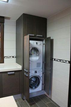 19 Most Beautiful Vintage Laundry Room Decor Ideas (eye-catching looks) Laundry Room Wall Decor, Laundry Room Bathroom, Laundry Closet, Small Laundry Rooms, Laundry Room Organization, Laundry Room Design, Small Bathroom, Bath Room, Hidden Laundry