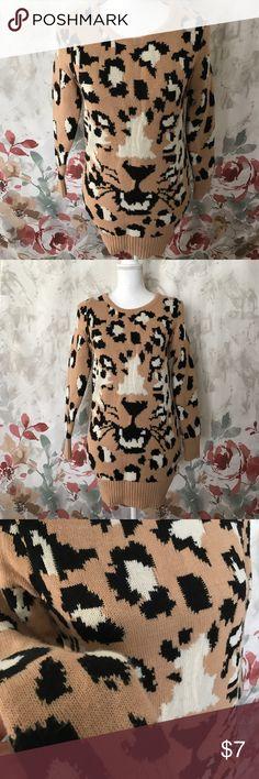 Leopard • Sweater Worn Twice • Fit women 0-4 • Good condition Sweaters