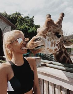 ☼ ☾pinterest | champanamami adventures animals giraffe travel travelling travelings summer blonde hair hairstyles
