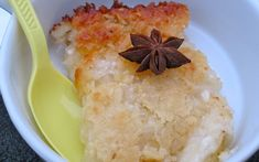 Enyucado (Colombian Style Cassava Cake) ~ Enyucado is a traditional recipe from The Atlantic coast of Colombia. It is a cake made with shredded yuca, cheese, coconut and star anis seeds and is sweet with a wonderful texture. Colombian Desserts, Colombian Dishes, Colombian Cuisine, My Colombian Recipes, Colombian Bakery, Columbia Food, Columbian Recipes, Cassava Cake, Cheesecake