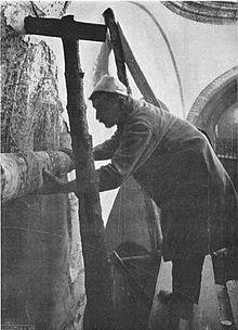 Arrancada de les pintures de Santa Maria de Taüll amb la tècnica de l'strappo Medieval Life, Romans, Painting, Art, Art Background, Painting Art, Kunst, Paintings, Performing Arts
