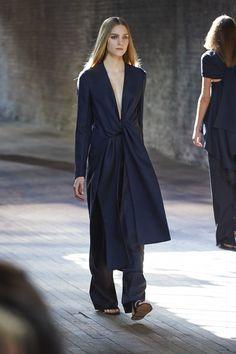 The Row, New York Fashion Week, Frühjahr-/Sommermode 2015 New York Fashion, Fashion Mode, Fashion Week, Runway Fashion, Spring Fashion, High Fashion, Fashion Show, Fashion Design, Fashion 2015