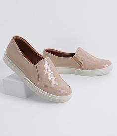 patent nude slip-on Casual Slip On Shoes, Women's Slip On Shoes, Trendy Shoes, Cute Shoes, Me Too Shoes, High Heel Boots, Heeled Boots, Shoe Boots, Dream Shoes