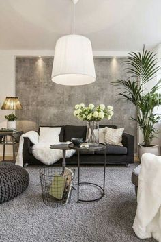 Wall finish with contrasting dark furniture and white accents -Glam room