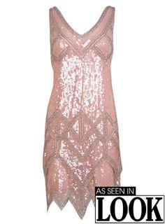 Rosa Paillettenkleid im 20er-Jahre-Stil