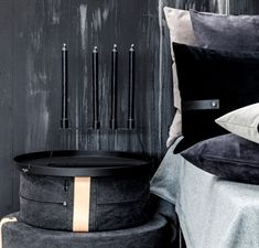 Louise Smærup puff 62 x 20 cm i lysgrå velour i lekkert nordisk design Drapery, Pillows, Home Decor, Cold, Cushion, Throw Pillow, Cushions, Interior Design, Home Interior Design