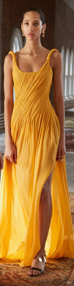 Yellow Fashion, Colorful Fashion, Girl Outfits, Summer Outfits, Fashion Outfits, High Fashion, Fashion 2018, Fashion Fashion, Fashion Brands
