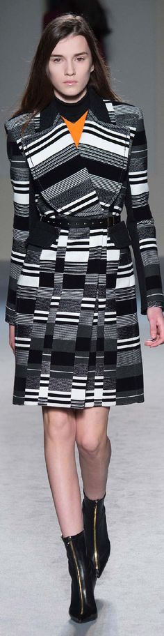 Fall 2015 Ready-to-Wear Roland Mouret