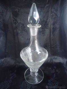 Botella de cristal tallado de Cartagena- Licorera años 40s
