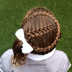 5 Strand. Framed with a Dutch crown braid. ❤️""