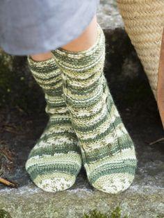 Reljeefse mustriga sokid Novita 7 Veljestä Polkka | Novita knits