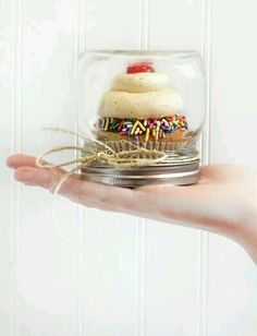 Sweet Mason Jar Idea!