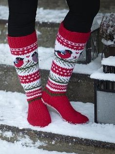 Lumometsän Tulkut naisen villasukat Novita 7 Veljestä | Novita knits Knit Mittens, Knitting Socks, Hand Knitting, Knitted Hats, Knit Socks, Crochet Slippers, Crochet Yarn, Knitting Designs, Knitting Patterns