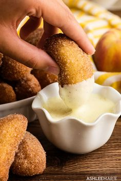 deep fried peaches with vanilla bean creme anglaise sauce. recipe and video | Ashlee Marie | Summer | Peaches | Vanilla Bean Sauce #ashleemarie #dessert #friedfood #fairfood #peaches via @ashleemariecakes Creme Anglaise Recipe, Dessert Nachos, Dessert Dips, Just Desserts, Dessert Recipes, Monte Cristo Sandwich, Carnival Food, Battered And Fried, Sweet Recipes