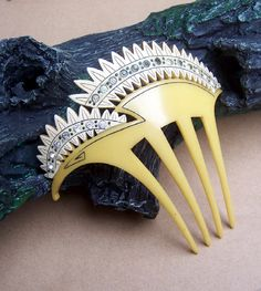 Vintage Japanese hair comb...LOVE!