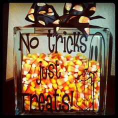 Adorable #Halloween glass block decor
