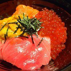 美味しすぎてお米1合ぐらい食べちゃったw 苦しい(´・д・) - 94件のもぐもぐ - 海鮮丼 by chikky
