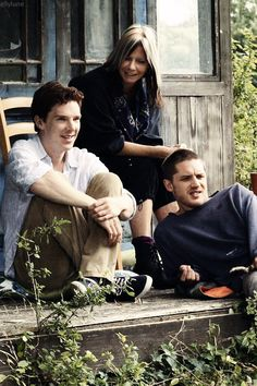 Benedict Cumberbatch and Tom Hardy. This picture makes me happy and I don't know why...
