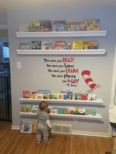 Create a kid-friendly reading corner - Kind - kinderzimmer Baby Bedroom, Nursery Room, Dr Seuss Nursery, Book Themed Nursery, Baby Girl Bedroom Ideas, Baby Girl Nursery Themes, Bedroom Decor, Baby Room Diy, Baby Room Decor