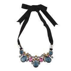Pimp your outfit with this necklace from #Cadenzza l #DesignerOutletParndorf