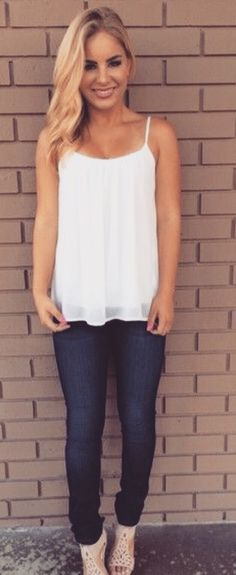 Spring Outfit - White loose top, jeans & heels