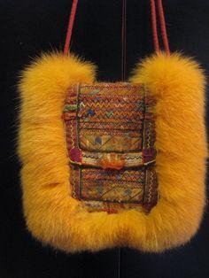 Pelstaske af ræv, m. Indisk håndbroderi. Bag / Purse, made of yellow dyed fox and old Afghan handembroidery. Handmade by Jane Eberlein, Samarkand, Copenhagen, Denmark. www.samarkand.dk