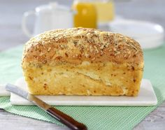 Cheese bread is a wonderfully smooth, easy to cut and good gluten-free bread. Lchf, Best Gluten Free Bread, Our Daily Bread, Cheese Bread, English Food, Food N, Bread Baking, Healthy Recipes, Bakken