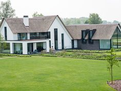 194 beste afbeeldingen van rietgedekte villas modern houses