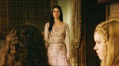 """The Top 30 Dresses Queen Mary Wore On The CW's """"Reign"""""""