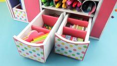 DIY: Beautiful Desk Organizer from Cardboard - Art & Craft Ideas Craft Room Desk, Diy Desk, Cardboard Furniture, Cardboard Crafts, Diy Storage, Storage Boxes, Diy Magazine Holder, Diy School Supplies, Recycled Crafts