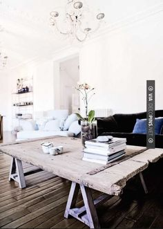 Interior Design ~ Living inspiration wall Modern Home Design, EV House by Ze Arquitectura Door Coffee Tables, Coffe Table, Coffee Menu, Coffee Drinks, Family Room, Home And Family, Door Table, Door Desk, Old Barn Doors