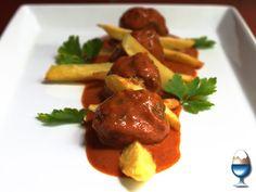 Albóndigas de pavo y espinaca en salsa de piquillo...