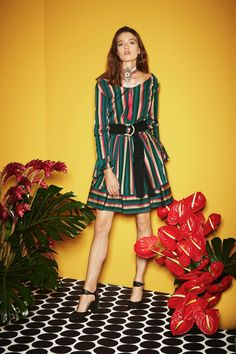View the full Etro Pre-Fall 2017 collection.