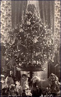 The first electrically lighted tree in the White House.The Cleveland family Christmas tree in 1896