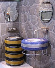 استخدام اطارات السيارات في عمل احواض داخل الحمامات