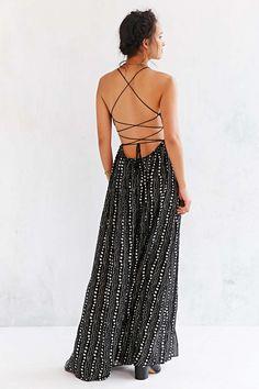 Need to revamp my summer dress wardrobe!  Ecote Strappy Back Safari Maxi Dress