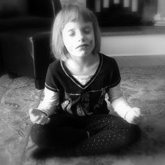 Mindful Parenting: Practicing Mindfulness with Your Children - daily practices to teach mindfulness (and gratitude!)
