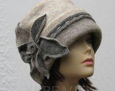 54954f1ae2c39 Gray Cloche Hat 1940s 1930s Fashion Felt Winter Hat Beret Fall Accessory  Wool Hat Headwear Warm Beanie Hat Handmade Cloche Gift for mom .