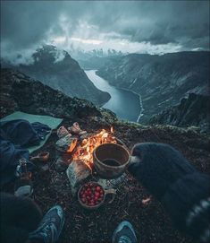 Camping Aesthetic, Travel Aesthetic, Camping Photography, Nature Photography, Places To Travel, Travel Destinations, Amazing Destinations, Camping Sauvage, Bushcraft Camping