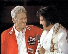 Elvis in concert in june 1977 , for the CBS t-v special ( Elvis in concert ) Here with his father Vernon.