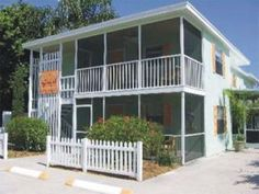 Siesta Key Apartment Rental: The Hummingbird Beach House!short Walk To Beach & Village Vacation Homes In Florida, Florida Rentals, Vacation Rental Sites, Vacation Resorts, Beach Resorts, Vacation Ideas, Siesta Key Village, Beach Village, Siesta Key Florida