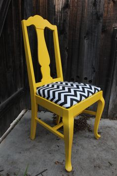 Queen Anne Style Yellow Chair