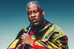 In an interview with the New York Times, legendary Vogue editor André Leon Talley discusses racism, loneliness, and Anna Wintour. Black Fashion Designers, Anna Wintour, Love And Respect, Bright Stars, Loneliness, Industrial Style, Superstar, Fashion Inspiration, Vogue