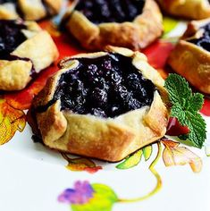 blueberry Food Network Recipes, Cooking Recipes, Restaurant Style Salsa, Black Bean Burgers, Homemade Pie Crusts, Pioneer Woman Recipes, Best Fruits, Christmas Desserts, Christmas Mom